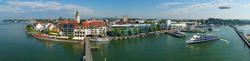 Blick vom Moleturm auf Friedrichshafen