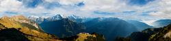 Blick von der Schynigge Platte auf Eiger, Mönch, Jungfrau und Thunersee